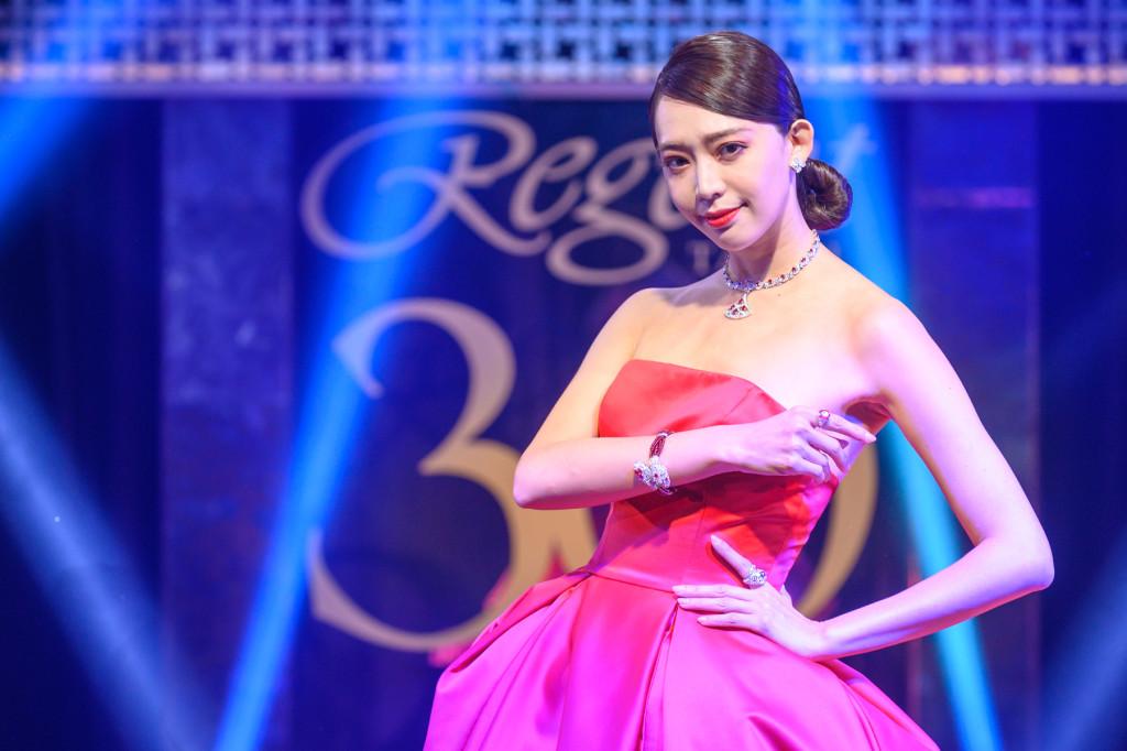 名模王心恬展演BVLGARI頂級系列珠寶